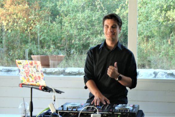 Lunch DJ Gal